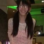 ツインテールに眼鏡の少女とホテル