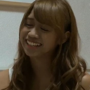 あゆみ20歳女子大生の部屋で