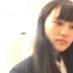 買い物中の美少女制服女子高生