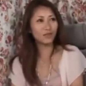 若い男を堪能する43歳美熟女